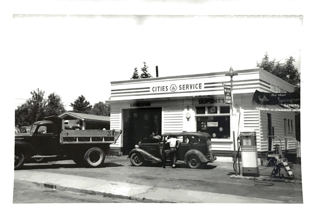 Dupont's Service Center On Silver Street in Dover (1960's)